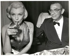 MONROE__MARILYN_-_PHIL_STERN_fv 1953